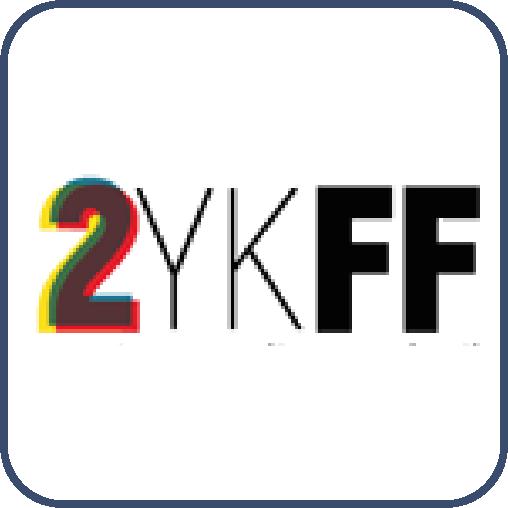 """Soldan sağa yan yana sırayla, """"İki, Y, K, F, F"""" harfleri yazıyor."""