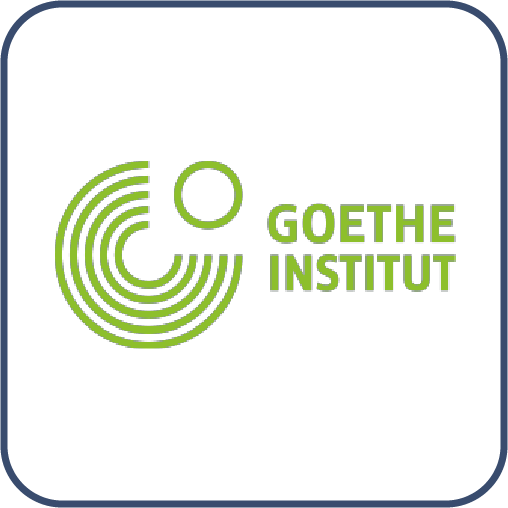 """Bir dairenin üçte dördünü oluşturan birbiri içinde eğri çizgiler. Sol üstünde küçük yeşil bir daire. Yanında yeşil harflerle, """"Goethe Institut"""" yazıyor."""