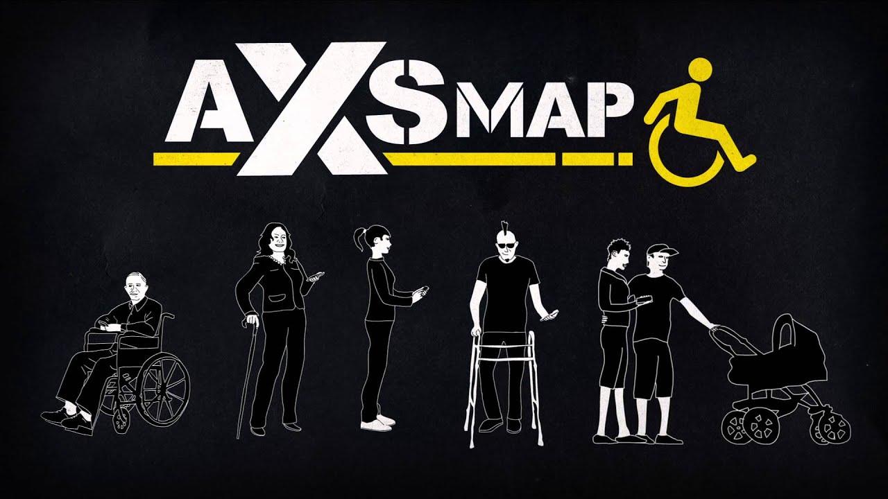"""Siyah arkaplanda tekerlekli sandalye kullancısı, kör ve diğer engellenen gruplardan bir topluluk. Üstünde beyaz harflerle, """"AXS MAP"""" yazıyor. Yanında sarı renkli bir tekerlekli sandalye çizimi."""